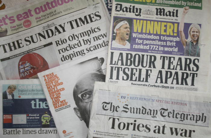 Tabloid and broadsheet newspapers are increasingly using the same language, according to new research