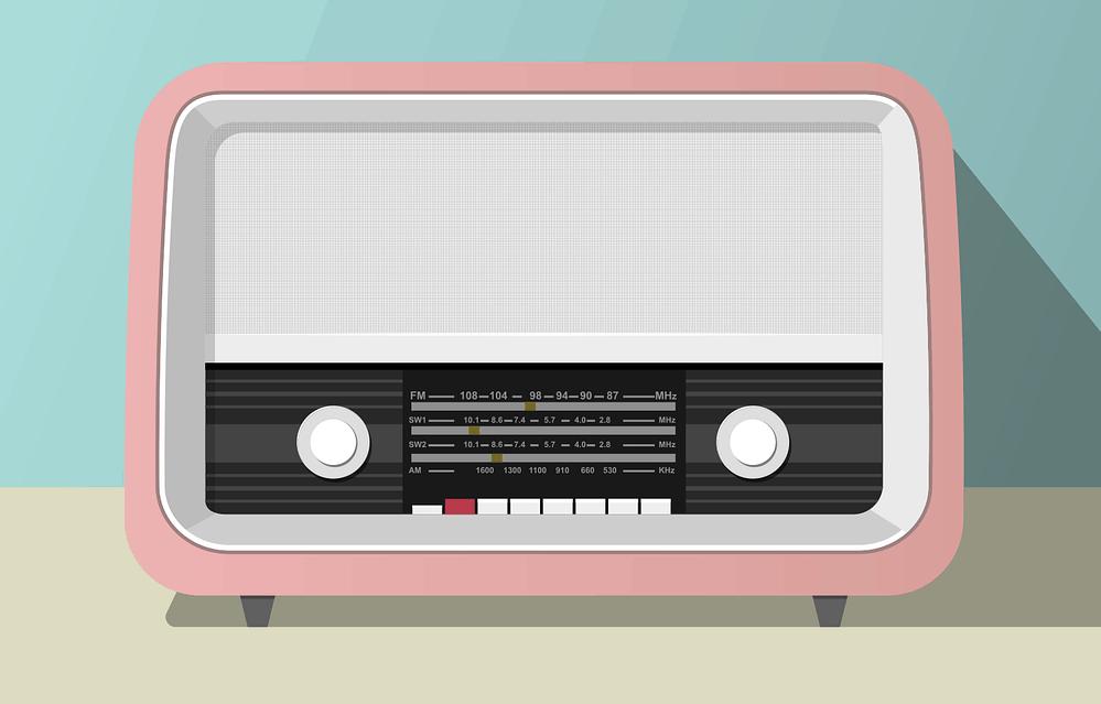 Pink radio set